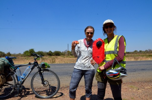 First touring cyclist we've met on the road!