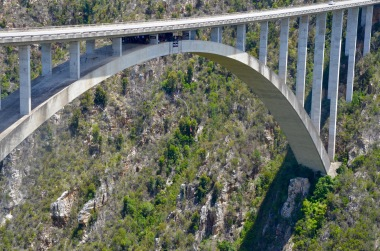 World's highest bridge bungee jump!